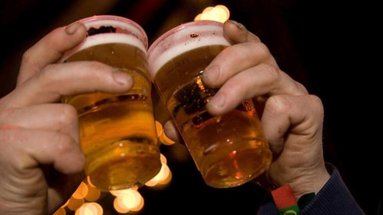 Verrassende redenen waarom je snel dronken wordt
